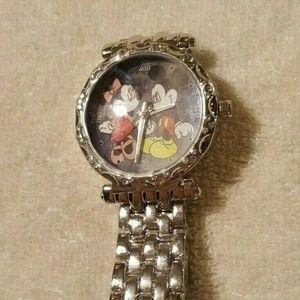 Mickey & Minnie Mouse Classic Wristwatch NEW
